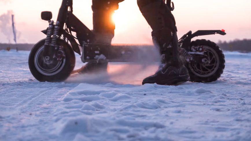 Электросамокат зимой: можно ли ездить?