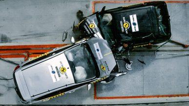 Насколько безопаснее стали машины за 20 лет
